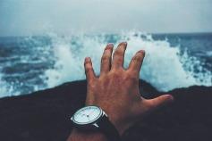 ocean hands-926752_640